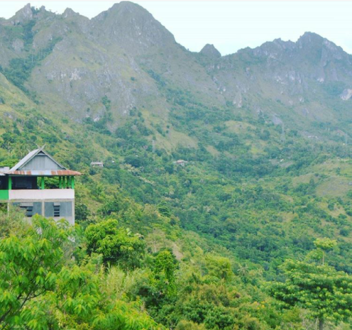 TANGGUH - Berumah di pagar pegunungan, masih dalam kawasan Buttu Kabobong. (foto: mfaridwm)