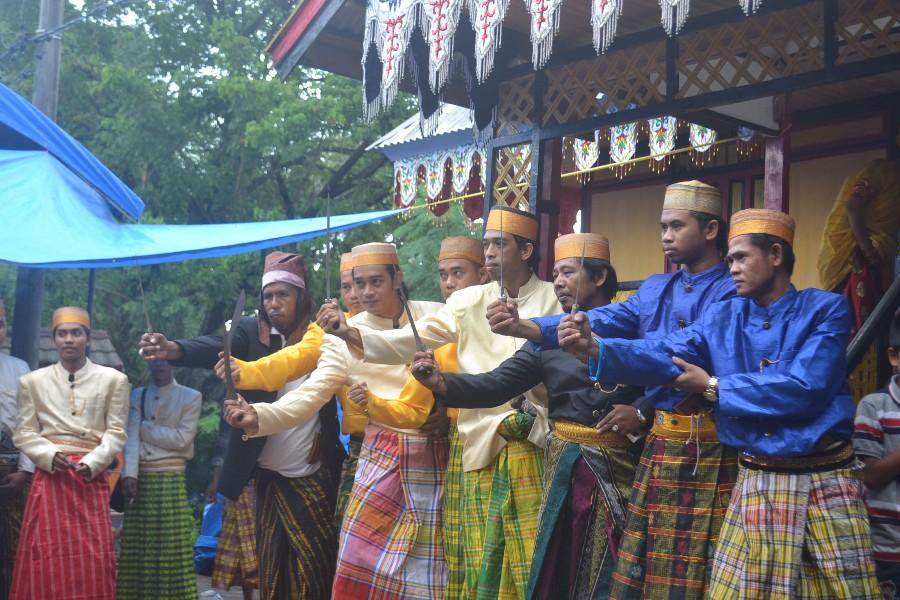 Masyarakat Biringere bertekad mempertahankan budaya khasnya. (foto: mfaridwm)