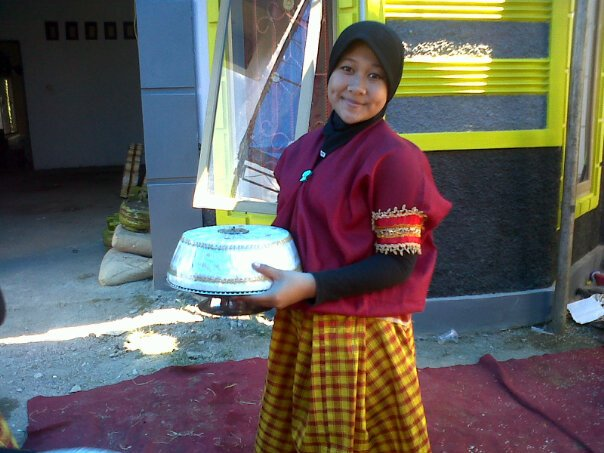 Baju Bodo buat remaja putri. (foto: mfaridwm/palontaraq)