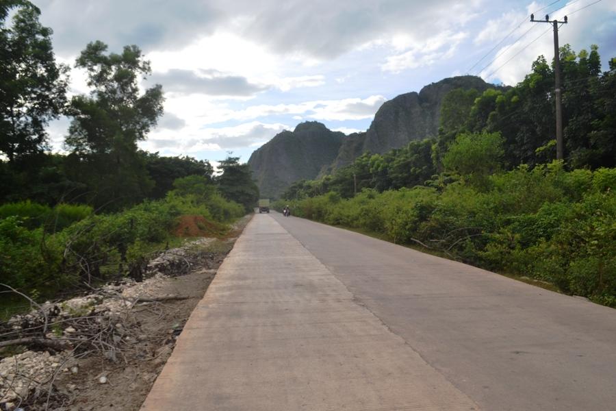 Mangilu - jalanan menuju Desa Bulu Tellue di sebelah timur Desa Mangilu. (foto: mfaridwm)