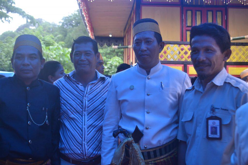 Dari kiri ke kanan: Mursalam (Ketua Forum Mitra Amanah), Chasiyanto (Konsultan Madya CFCiD), M.Farid W Makkulau (LCO Biringere), dan Abdul Azis Tahir (Manager CSR PT.Semen Tonasa). (foto: ikah)