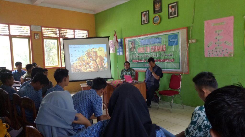 Palontaraq membangun budaya literasi di Pangkep (foto: ist)