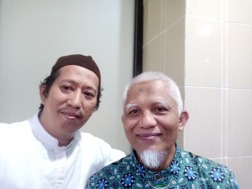 Penulis bersama Prof dr.Veny Hadju. (foto: ist/palontaraq)