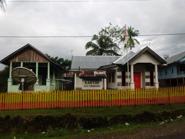 Kantor Pemerintah Desa Tondongkura. (foto: mfaridwm/palontaraq)