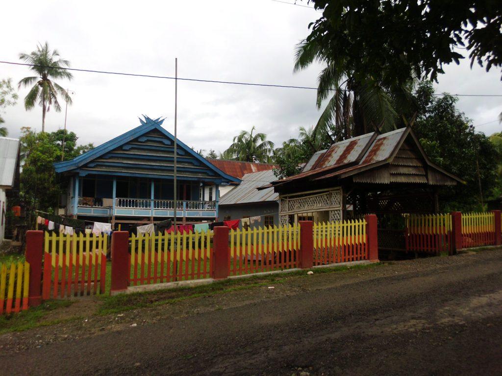 Rumah Warga Desa Tondongkura. (foto: mfaridwm/palontaraq)