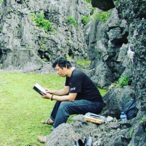 Di bagian bawah Taman Batu Karst. (foto: hasbihct/palontaraq)