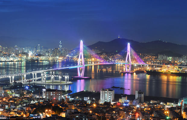 Port of Busan, South Korea (sumber foto: shermanstravel)