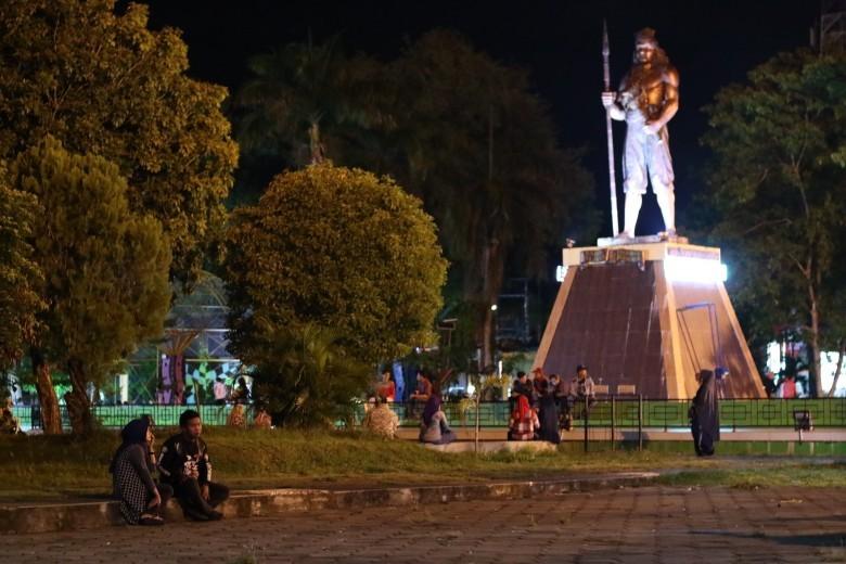 Taman Patung Arung Palakka (sumber: plukme!)