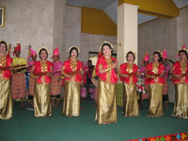 "Seni Musik Tradisi ""Makkacaping"". (foto: mfaridwm/palontaraq)"