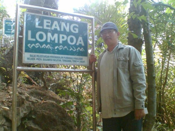 writer on Leang Lompoa cave area (foto by: ist/palontaraq)