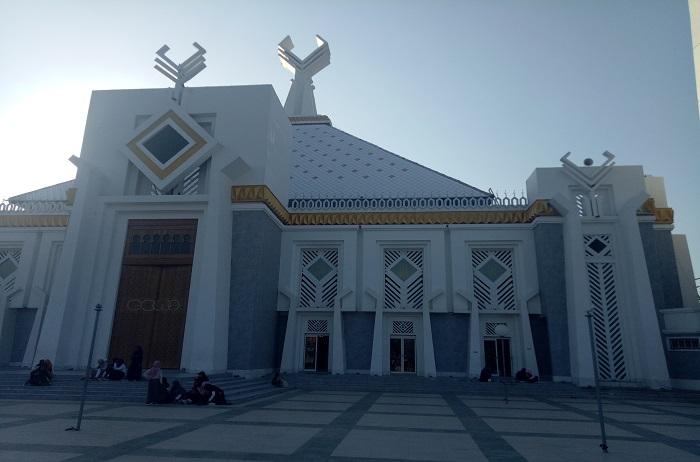 Masjid Agung Syekh Yusuf di Kabupaten Gowa, Sulsel. (foto: mfaridwm/palontaraq)