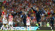 Pemain Prancis, Antoine Griezmann, melakukan selebrasi di laga final Piala Dunia 2018 melawan Kroasia di Moskow, Rusia, 15 Juli 2018. (Reuters)