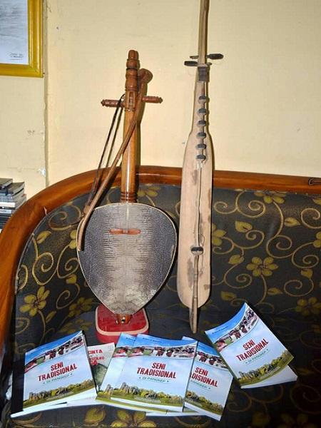 """Buku """"Seni Tradisional di Pangkep"""". (foto: mfaridwm/palontaraq)"""