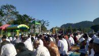 Shalat Iedul Adha di Lapangan Sepakbola Minasatene, Pangkep. (foto: mfaridwm/palontaraq)