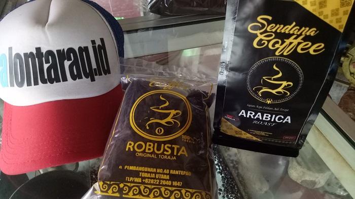 Kopi Toraja, Robusta dan Arabica bisa dibawa sebagai Oleh-oleh. (foto: mfaridwm/palontaraq)