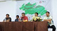 Workshop Penguatan Kapasitas Tim CSR dibuka secara resmi Direktur Keuangan PT.Semen Tonasa, Bambang Eko Prasetyo. (foto: haniah/palontaraq)