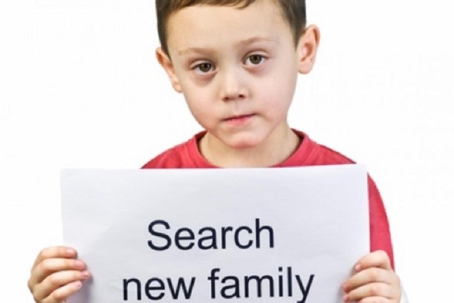 Bantu Anak korban gempa temukan keluarganya. (foto: Tigapilarnews)