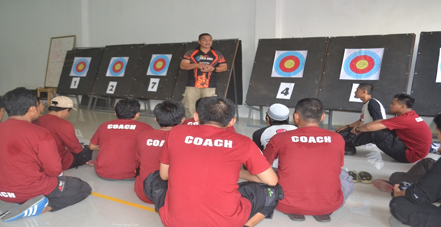 Penulis dalam Training of Archery Trainer (foto: ist/palontaraq)