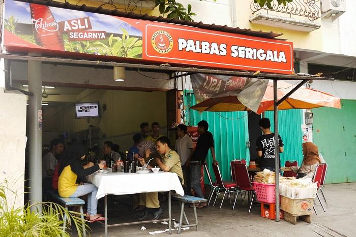 Palbas atau Pallubasa di Jalan Serigala. (foto: ist/palontaraq)Palbas atau Pallubasa di Jalan Serigala. (foto: ist/palontaraq)