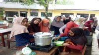 Kegiatan Prakarya Kuliner Santriwati Putri IMMIM. (foto: mfaridwm/palontaraq)