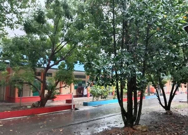 Hujan itu salah satu wujud keberkahan dari Allah SWT. (foto: ist/palontaraq)