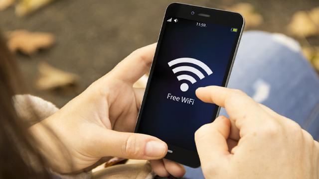 Hati-hati memanfaatkan free wifi. (foto: liputan6)