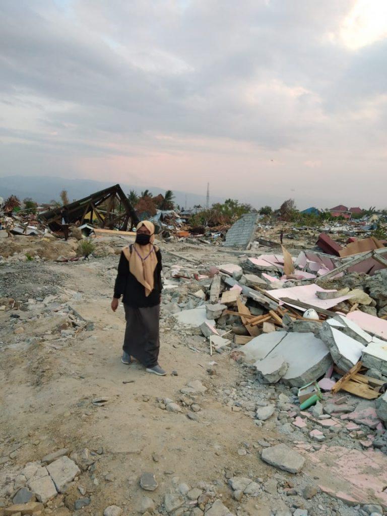 relawan di Palu. (foto: ist/palontaraq)