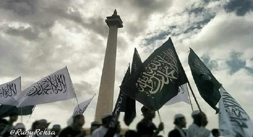 Bersatu dibawah Panji Ar-Rayah dan al-Liwa. (foto: rubyreksa)