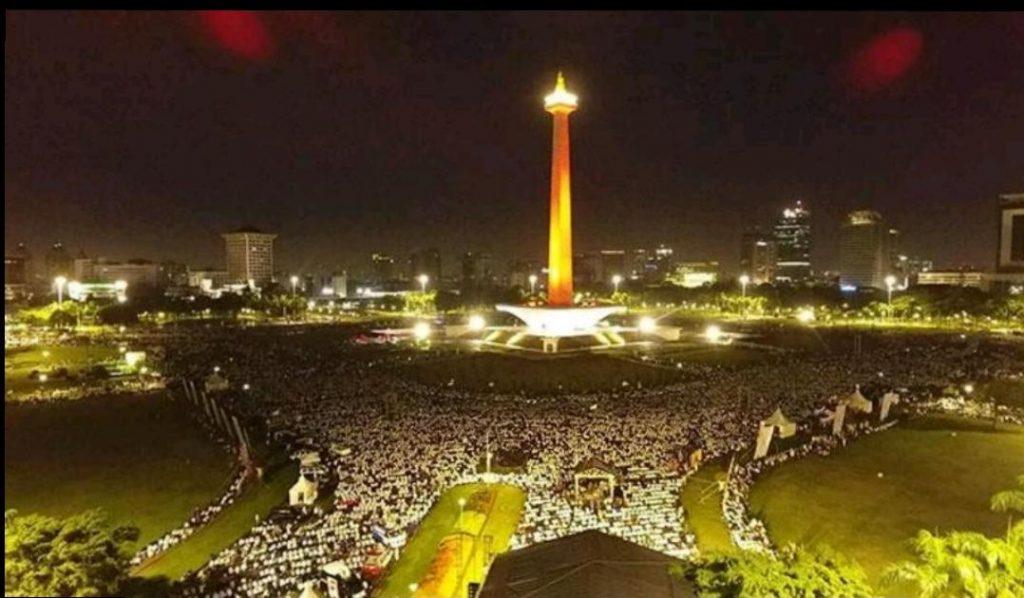 Jutaan Massa Reuni Akbar 212 sudah memenuhi Monas sejak semalam. (sumber foto: abahkhatib)