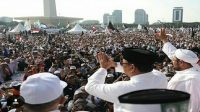 Sebagai Capres hasil pilihan ijtima ulama', Prabowo diundang khusus di acara Reuni Akbar 212 di Monas, Jakarta. (2/12). (foto: ist/palontaraq)