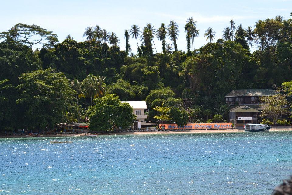Pulau indah sekitar Bunaken. (foto: ist/palontaraq)