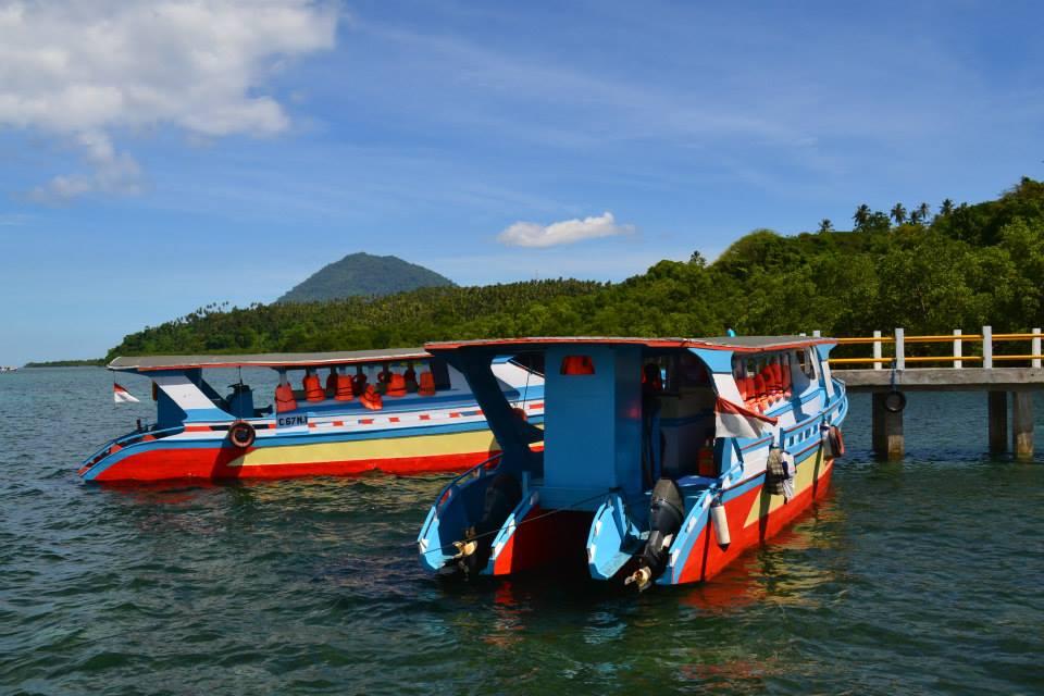Kapal Louis XIII seperti ini yang dipakai menyeberang dari Pelabuhan Kota Menado menuju Bunaken. (foto: ist/palontaraq)