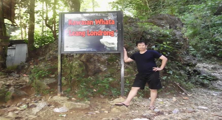 Penulis di Kawasan Leang Lonrong. (foto: ist/palontaraq)