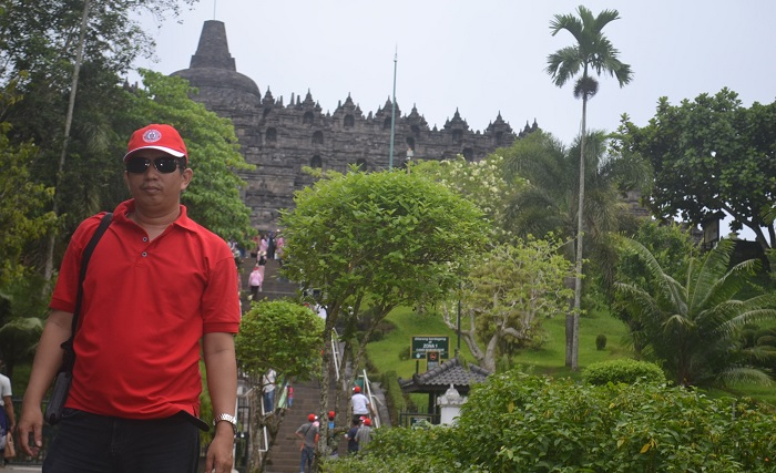 Berwisata ke Candi Borobudur. (foto: ist/palontaraq)