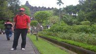 Penulis di Kompleks Candi Borobudur. (foto: ist/palontaraq)