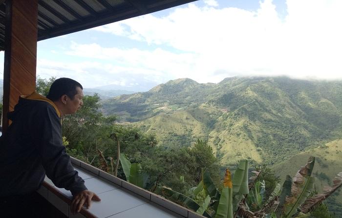 Perjalanan Penulis ke Salah satu destinasi wisata Enrekang, Gunung Nona, Sulsel. (foto: ist/palontaraq)