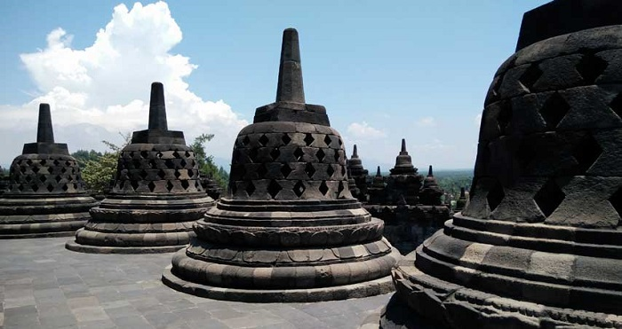 Bagian puncak Candi Borobudur. (foto: ist/palontaraq)