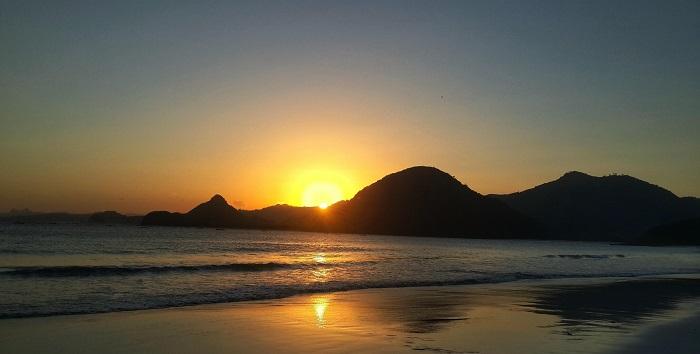 View sunset di Pantai Setong Belanak. (foto: dailyvoyagers)