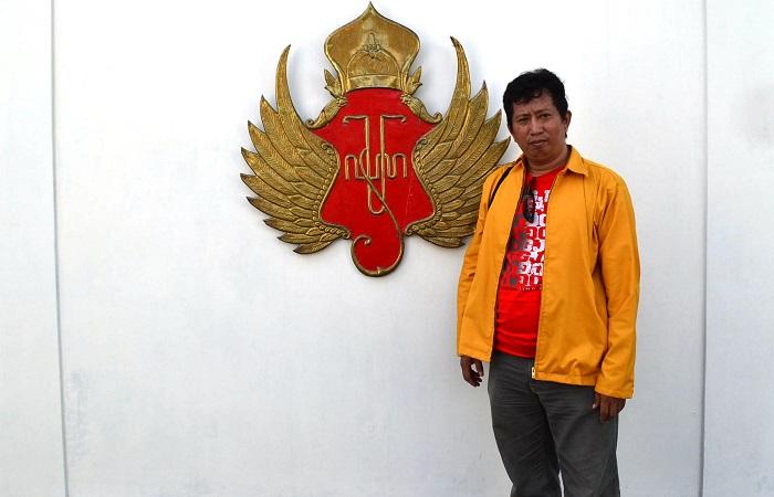 Penulis di Kesultanan Yogyakarta. (foto: ist/palontaraq)