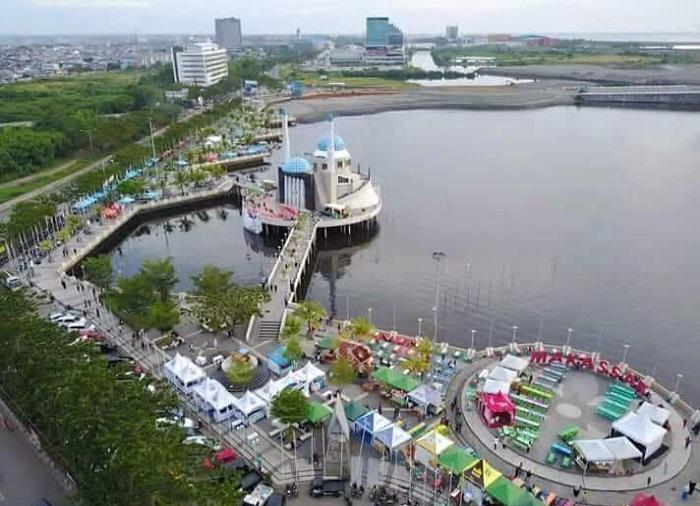 Salah satu sudut kota Makassar. (foto: ist/palontaraq)