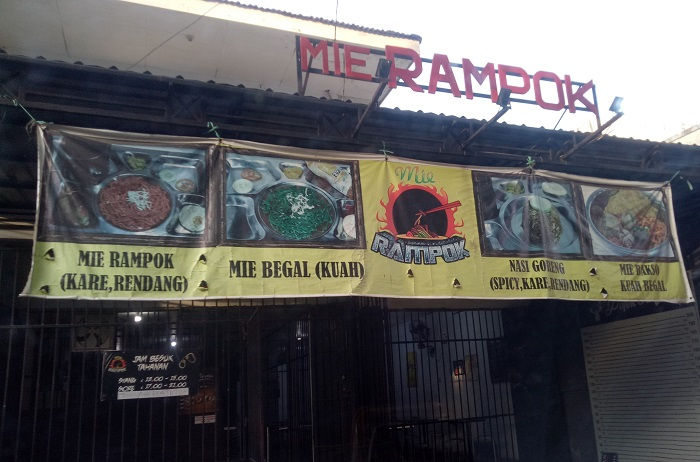 Mie Rampok Makassar. (foto: mfaridwm/palontaraq)