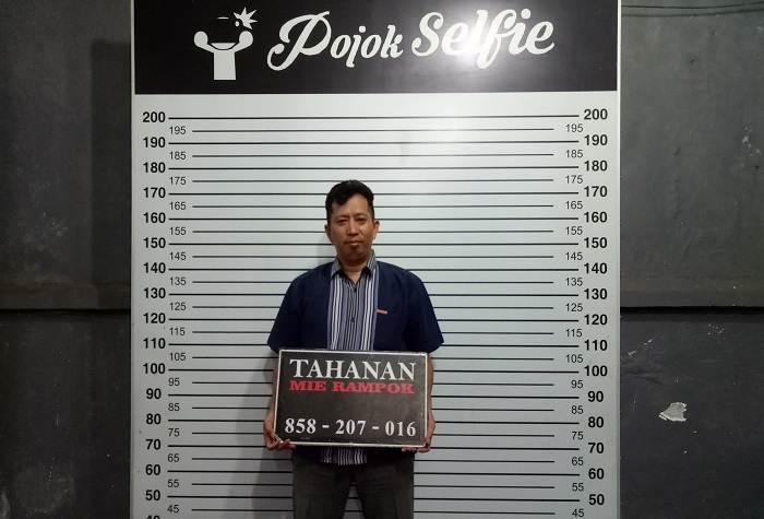 Pojok Selfie Mie Rampok Makassar. (foto: ist/palontaraq)