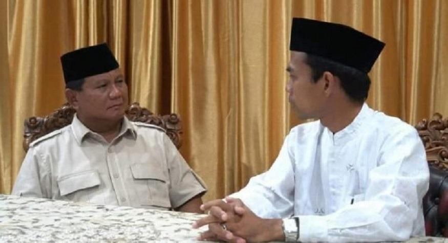 Ustadz Abdul Somad dan Capres 02 Prabowo Subianto. (foto: ist/palontaraq)