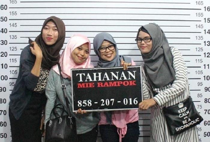 Pojok Selfie Mie Rampok Makassar