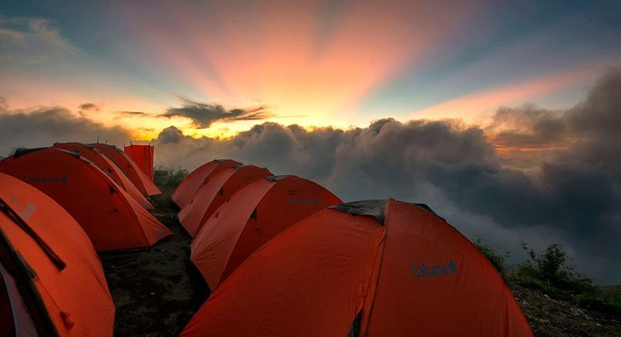 Crater Plawangan Sembalun Mount Rinjani. (foto: trekkingrinjani)