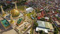 Foto udara kawasan Masjid Hubbul Wathan Islamic Center NTB di Mataram, 11 Mei 2017.