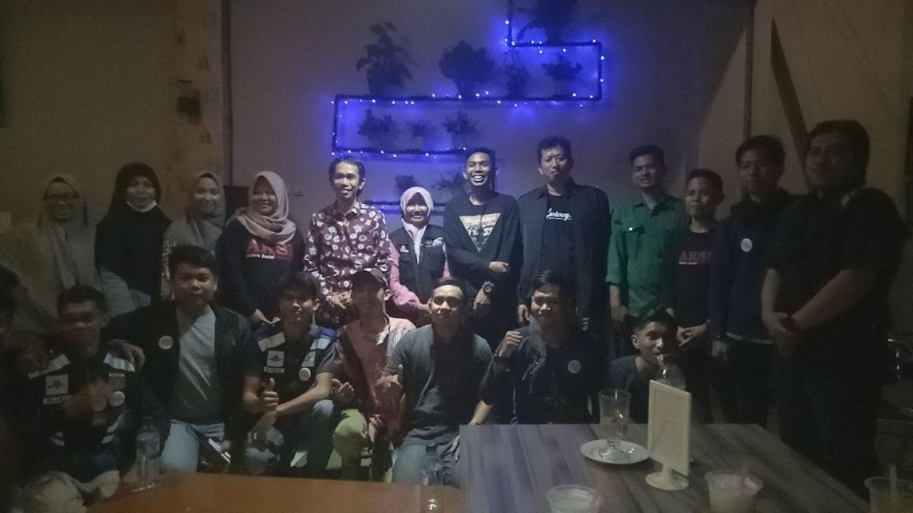 Komunitas Relawan Pendidikan Indonesia (RPI) usai gelar Talk Show tentang Peran Relawan dalam Membangun Pendidikan Anak Bangsa. (foto: ist/palontaraq)