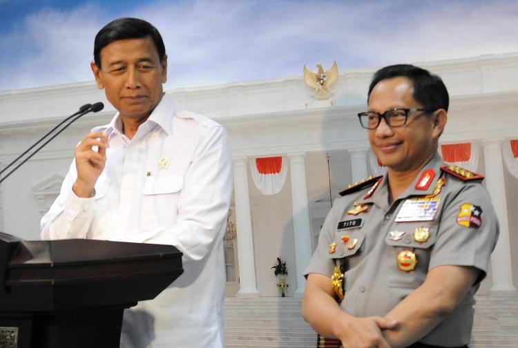 Menkopolhukam Wiranto dan Kapolri Tito Karnavian. (foto: ist/palontaraq)