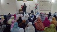 Kegiatan Mendongeng di Masjid. (foto: ist/palontaraq)