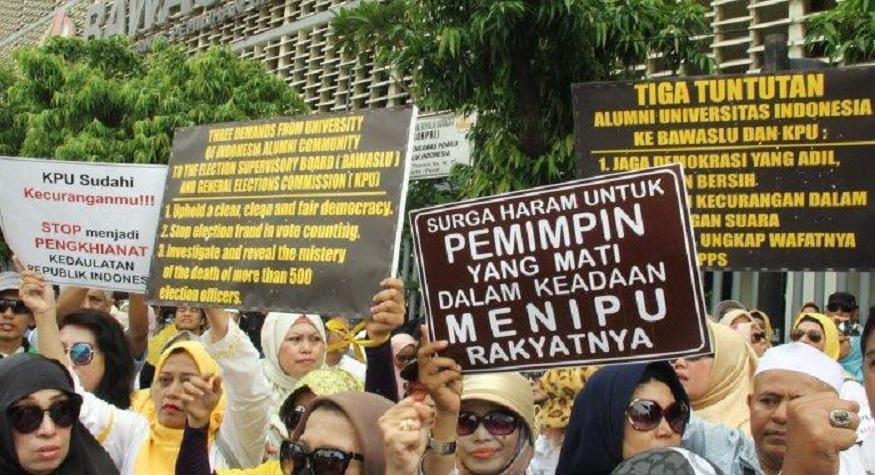 Demonstrasi rakyat di KPU, JUmat (10/5/2019) (foto: wartakota/tribunnews)